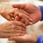 Neįgaliųjų ir vienišų senelių lankymas, priežiūra ir globa į namus